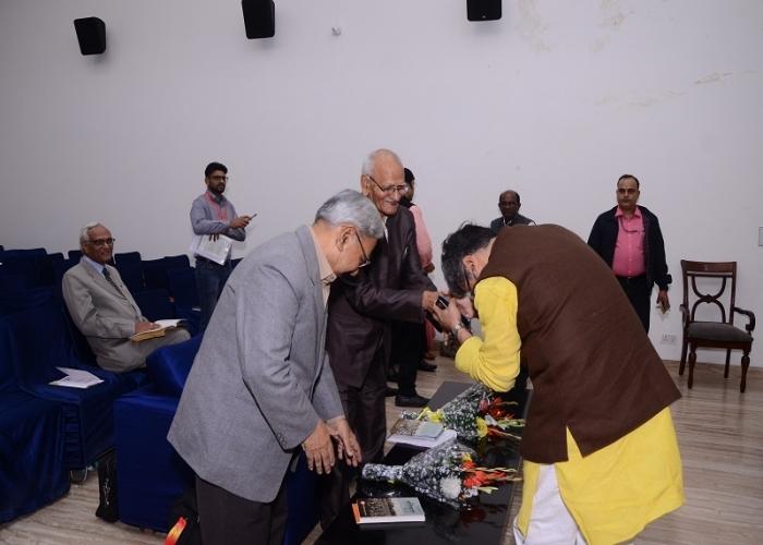 Bharat Mein Krantikari Andolan : Iska Swaroop aur Swabhav